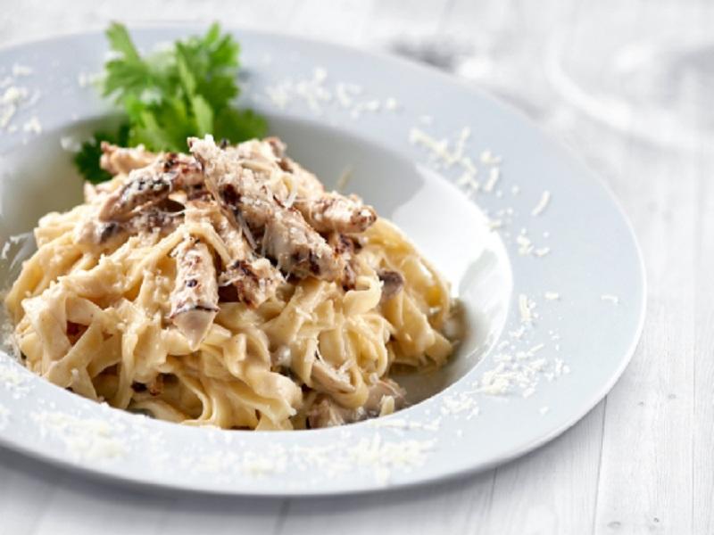 Resep Fettucini Carbonara Smoke Beef