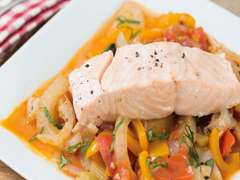 Resep Salmon With Ratatouile