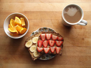 Resep Straw-Banana Toast with Peanut Butter (2)