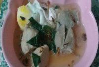 Sup telur bayam makanan balita