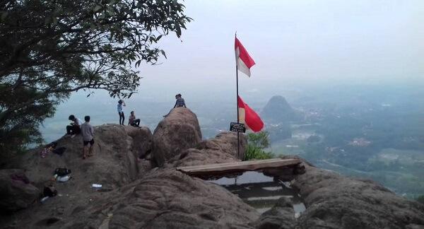 Gunung Munara Wisata Alam Di Bogor