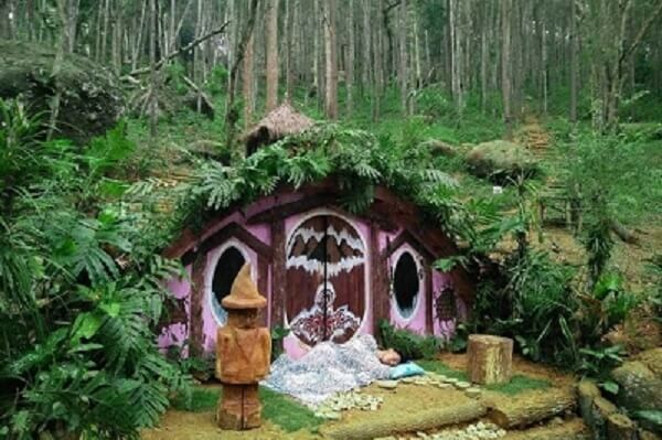 House The Hobbit Cisarua
