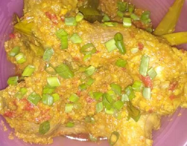 Resep Ayam Pedas Bumbu Kuning