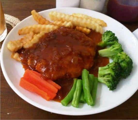 Steak Tempe dengan saus lada hitam